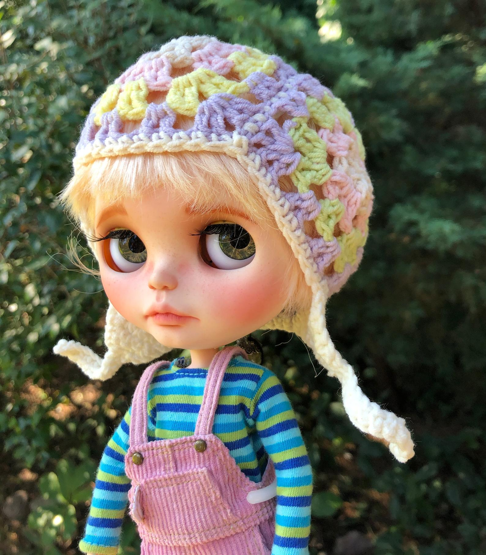 """<a href=""""https://www.etsy.com/pl/shop/iasio?ref=simple-shop-header-name&listing_id=851765508&section_id=13786899 """">Crochet Hat For Blythe Titus Pink Purple Green Light Pastel</a>"""
